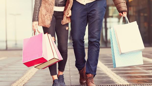 Naslednji teden naj bi se odprle vse trgovine, tudi z oblačili in obutvijo (foto: Shutterstock)