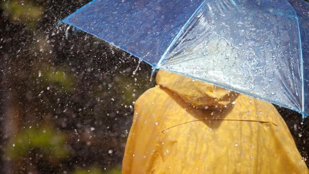 Dež in taljenje snega sta na Gorenjskem povzročala težave (foto: Profimedia)