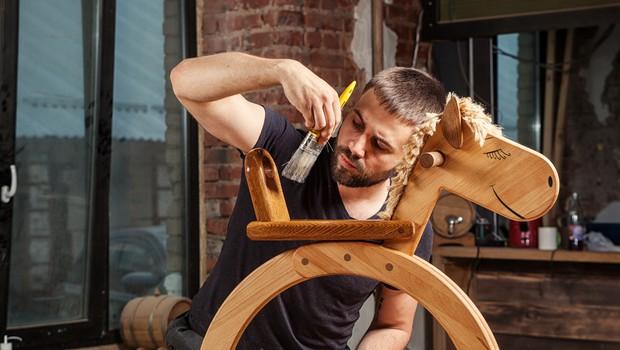 Kako izkoreniniti zastonjkarstvo na račun prijateljev in jih dejansko podpreti (foto: Shutterstock)