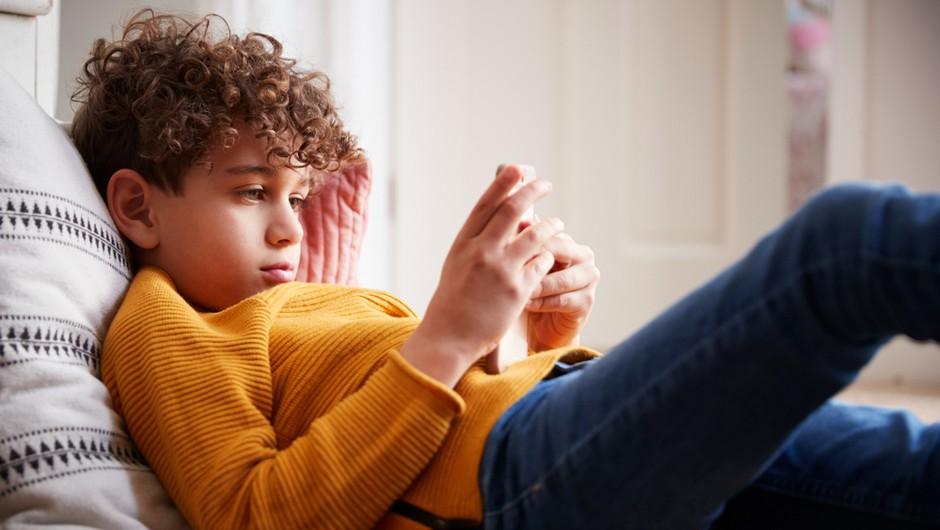 """""""Prepogosto se dogaja, da nam internet poslabšuje zdravje in kvaliteto življenja"""" (foto: Shutterstock)"""