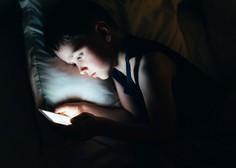 Znani so podatki, koliko časa so otroci in mladostniki med koronakrizo dejansko preživeli pred zasloni