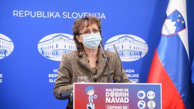 Čakš Jagrova: Konec tedna želimo uvesti sistem preverjanja vseh pozitivnih hitrih testov s PCR testi (foto: Nebojša Tejić/STA)