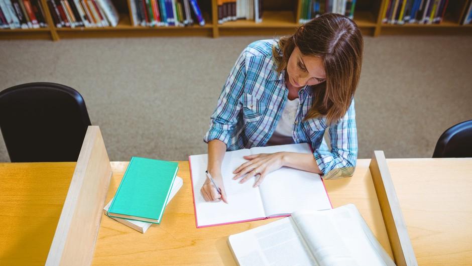 Slovenski študenti v tujini lahko oddajo vlogo za izplačilo solidarnostnega dodatka (foto: Profimedia)