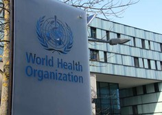Strokovnjaki WHO: AstraZenecino cepivo uporabno tudi za starejše od 65 let