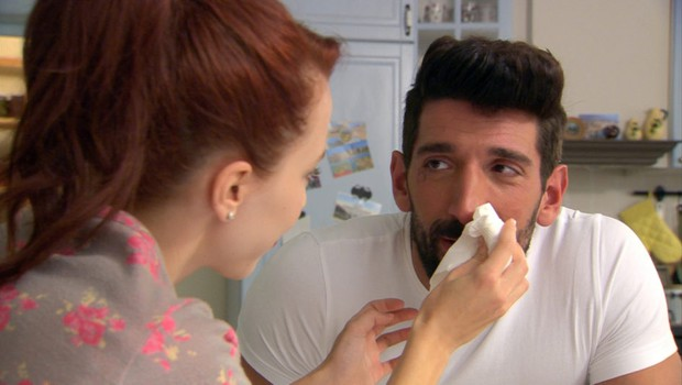 Postavni in zapeljivi mafijec Ljuban iz serije Šverc komerc pokazal svojo nežno in umetniško plat (foto: POP TV)