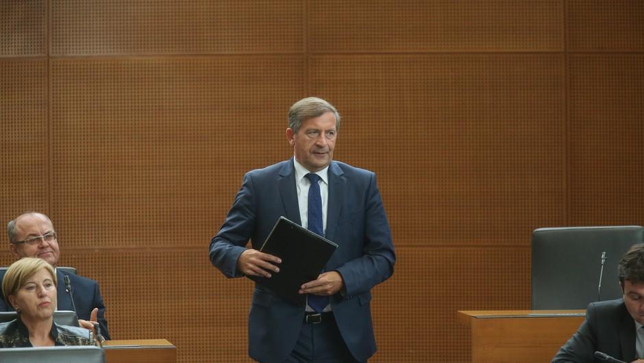 Državni zbor bo o konstruktivni nezaupnici odločal na izredni seji v ponedeljek (foto: profimedia)