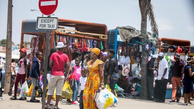 Protikoronski ukrepi po svetu iz prve roke: Jeannine, Južnoafriška republika (foto: Shutterstock)