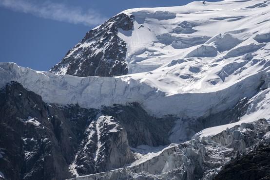 Snežna plazova na Storžiču ugasnila tri življenja, plaz v Žlebeh usoden za turnega smučarja