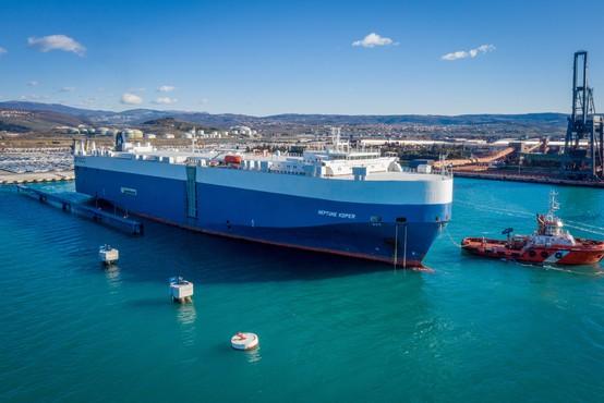 Grški ladjar svojo največjo ladjo poimenoval Neptune Koper