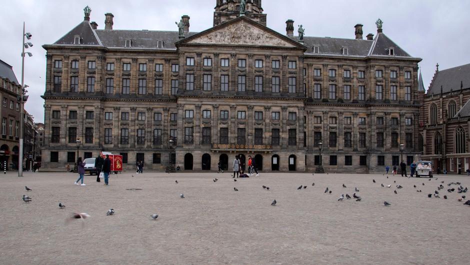 Nizozemsko sodišče vladi odredilo odpravo nočne policijske ure (foto: Profimedia)
