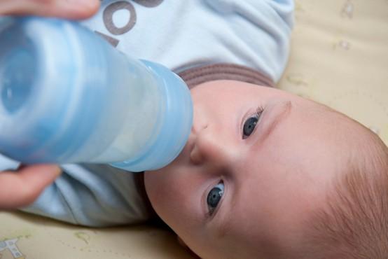 V Franciji zabeležili prvo rojstvo po presaditvi maternice