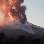Ognjenik Etna na Siciliji ponovno izbruhnil (foto in video) (foto: Profimedia)