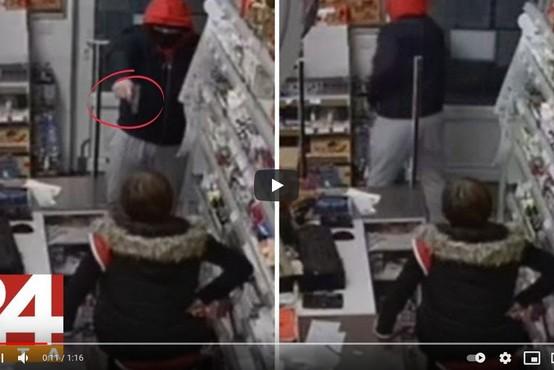 """VIDEO: Zamaskiran vstopil v trgovino, zahteval denar, prodajalka pa z roko v bok: """"Ne dam!"""""""