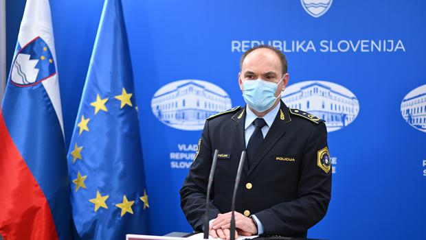 Policija za konec tedna napovedala poostren nadzor v prometu, na smučiščih in v turističnih krajih (foto: Tamino Petelinšek/STA)