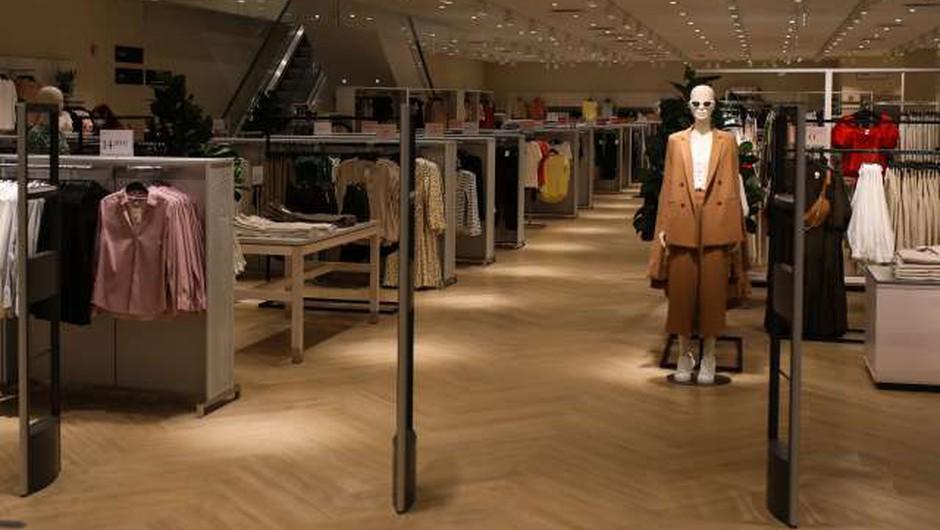 Poziv potrošnikom k odgovornemu ravnanju v trgovinah (foto: Anže Malovrh/STA)