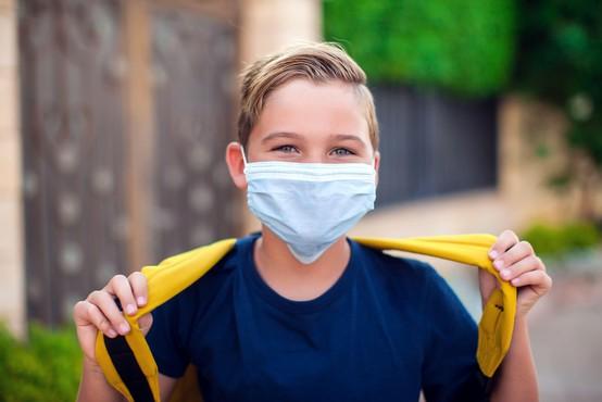 V vrtcih, osnovnih in srednjih šolah aktivno okuženih 390 otrok in zaposlenih