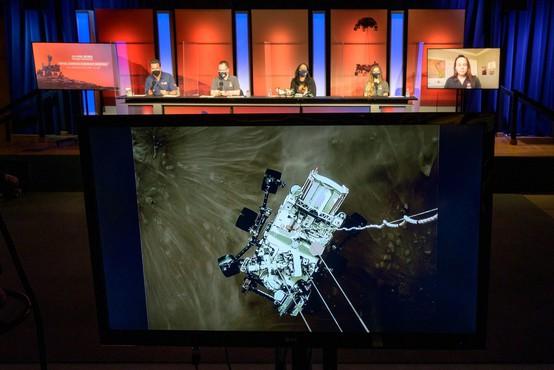 Internet je razvozlal skrivno sporočilo, ki ga je NASA skrila na padalo roverja Perseverance