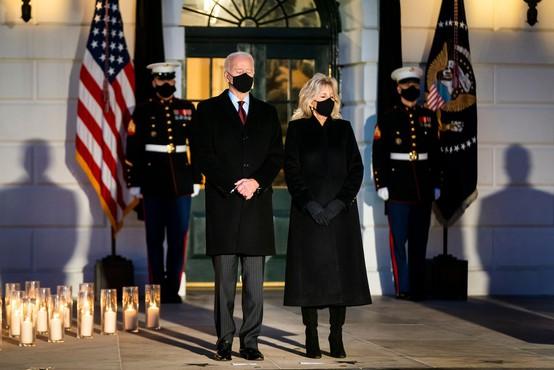 V ZDA pol milijona žrtev covida; Biden: Ta država se bo spet smejala