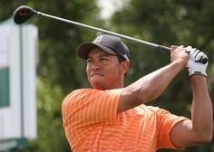 Težje poškodovanega Tigerja Woodsa po prometni nesreči odpeljali v bolnišnico