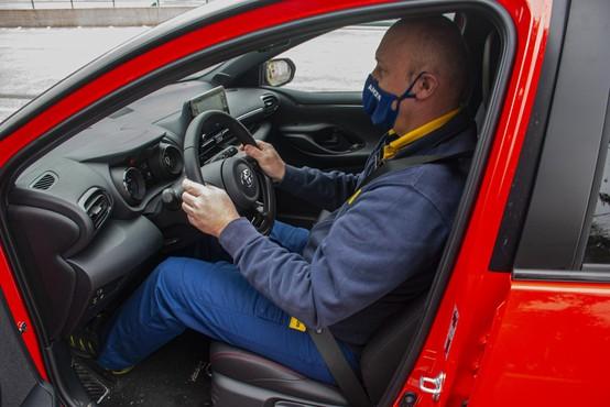 Sedenje v avtomobilu: samo zdravo je tudi varno