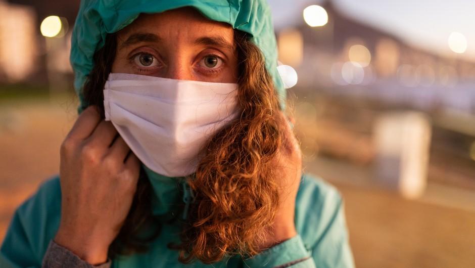 V torek potrdili 1089 okužb, v Sloveniji doslej potrdili 35 primerov angleške različice (foto: Profimedia)