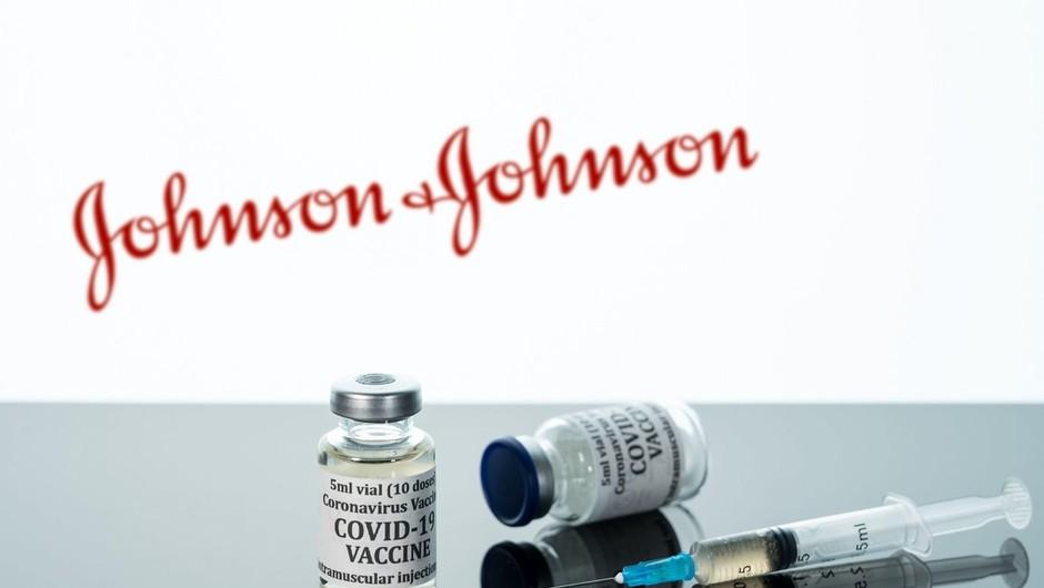 Ameriški svetovalni odbor priporočil izredno uporabo cepiva podjetja Johnson & Johnson (foto: profimedia)