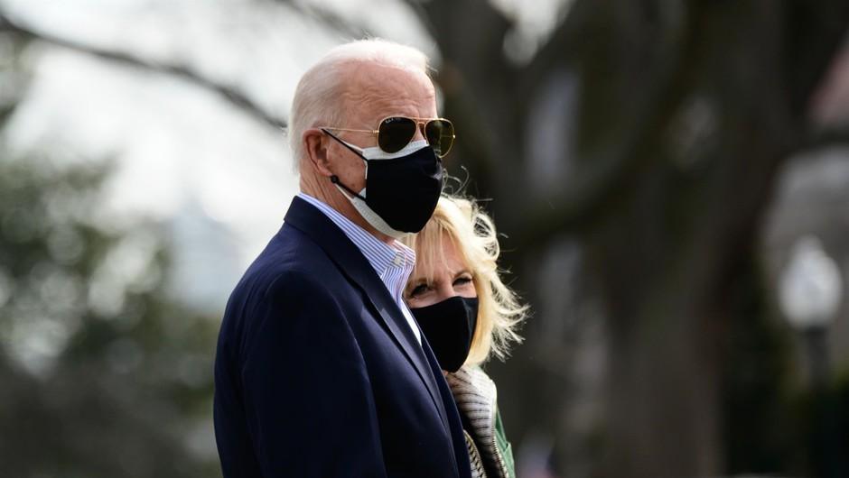 Ameriški predsednik s prvo damo obiskal Teksas in obljubil nadaljnjo pomoč (foto: profimedia)