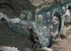 Pompeji skrivajo še kup zakladov: zadnje odkritje kočija z erotičnimi motivi