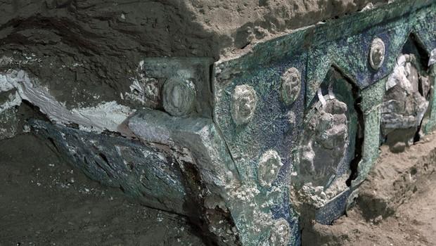 Pompeji skrivajo še kup zakladov: zadnje odkritje kočija z erotičnimi motivi (foto: profimedia)