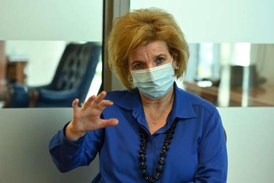 Bojana Beović meni, da bi morala EU pospešiti dobavo cepiva