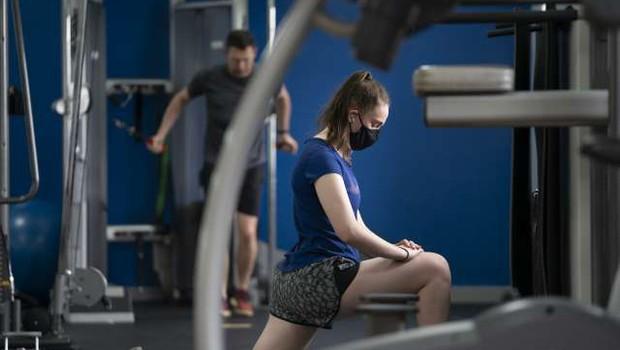 V fitnesih opozarjajo na upad gibalnih sposobnosti pri odraslih (foto: Xinhua/STA)