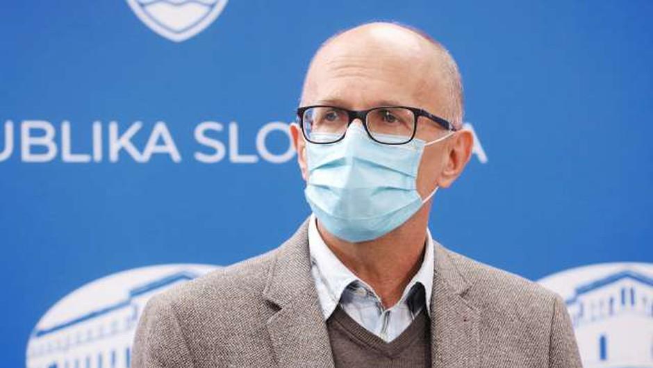 Pečan: Ob poslabšanju epidemioloških razmer ministrstvo predlaga šolanje po prilagojenem modelu C (foto: Daniel Novakovič/STA)