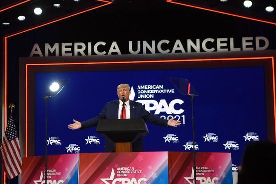 Trump ne bo ustanovil nove stranke, v prvem javnem govoru po odhodu pozval k enotnosti republikancev