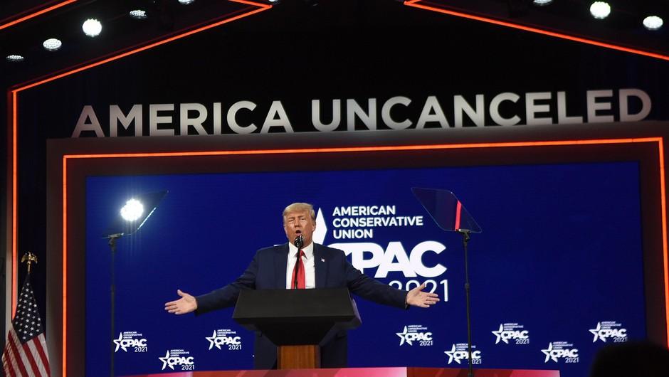 Trump ne bo ustanovil nove stranke, v prvem javnem govoru po odhodu pozval k enotnosti republikancev (foto: Profimedia)