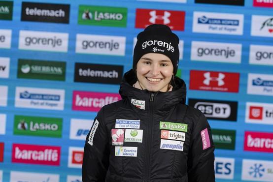 Novo veselje v slovenskem taboru, Nika Križnar bronasta na veliki skakalnici