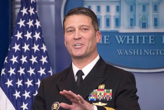 Nekdanji zdravnik ameriškega predsednika poživila in pomirjevala predpisoval kot bonbone