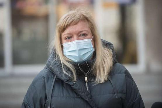 Infektologinja Kotarjeva: Naše učne knjige so bili naši bolniki