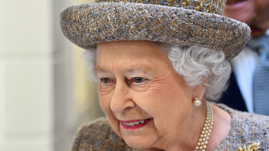 Na dvoru britanske kraljice so se razveselili dveh novih družinskih članov (foto: Profimedia)