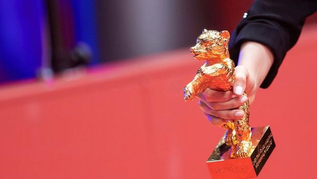 Zlati medved za najboljši film romunskemu režiserju  Raduju Judeju (foto: profimedia)