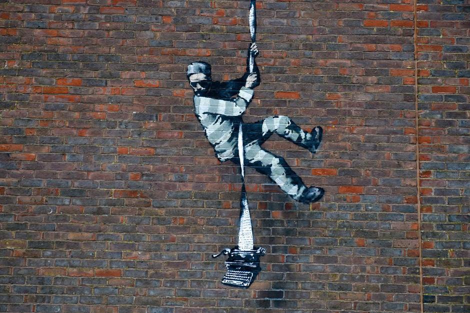 Banksy z objavo na Instagramu potrdil avtorstvo slike pobeglega zapornika (foto: profimedia)