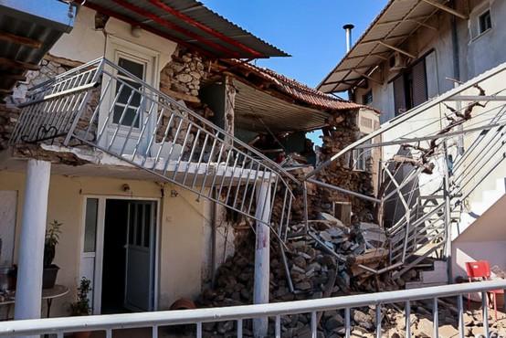 Škoda po potresih v Grčiji kaže, da bo skoraj polovico stavb treba porušiti