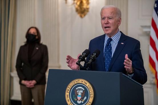 Biden podpisal izvršni ukaz, s katerim bi rad olajšal dostop do volitev