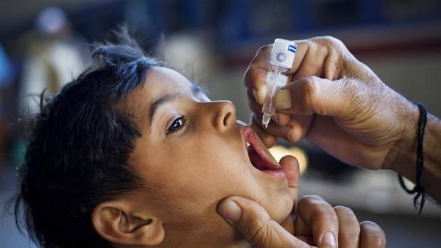 UNICEF: S cepljenjem vsakih 12 sekund rešimo 1 otroško življenje! (foto: UNICEF/Zaidi)
