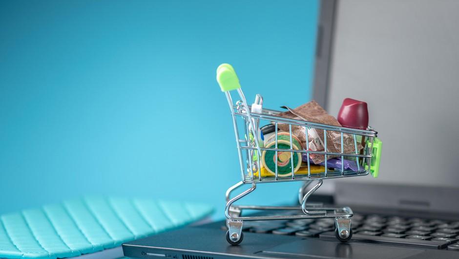 Spletno nakupovanje živil priljubljeno tudi v drugem valu covida-19 (foto: Profimedia)