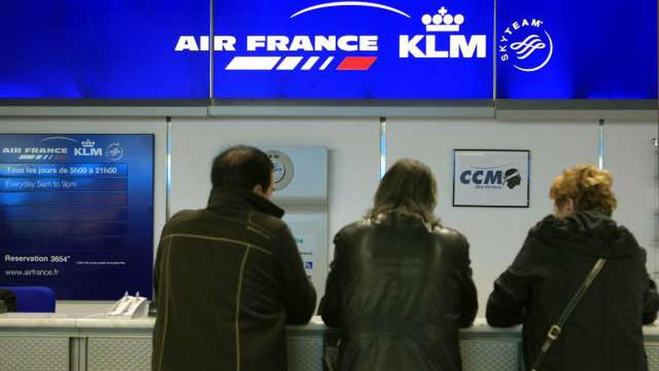 Francija poskusno uvaja digitalne prepustnice za letalska potovanja (foto: Xinhua/STA)