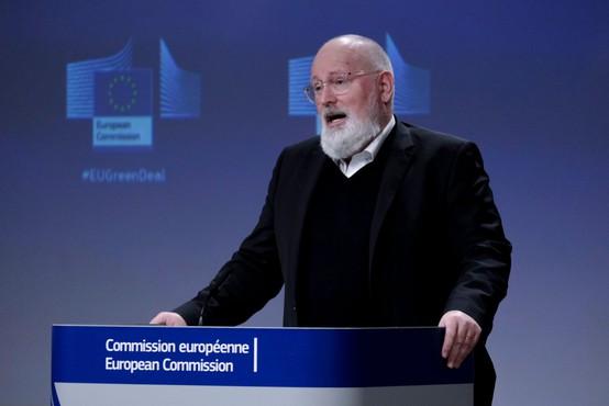 Frans Timmermans priznal, da je imela strategija cepljenja v EU nekaj lukenj