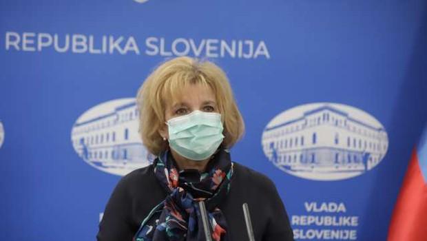 Beovićeva: V Sloveniji za zdaj ni bilo zabeleženih krvnih strdkov po cepljenju s cepivom AstraZenece (foto: Anže Malovrh/STA)