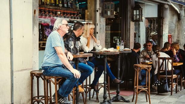 Od ponedeljka v primorsko-notranjski regiji odprtje teras lokalov (foto: Shutterstock)