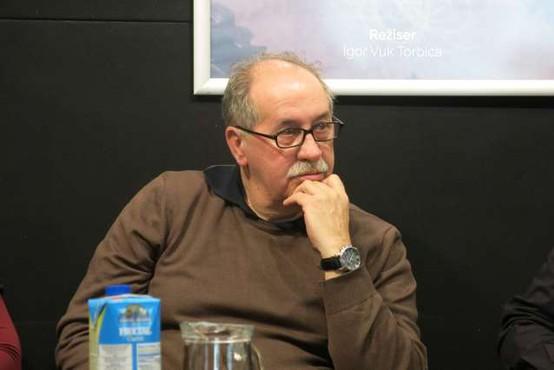 Nedavno preminulemu pisatelju Marku Sosiču so se v Trst poklonili z videom