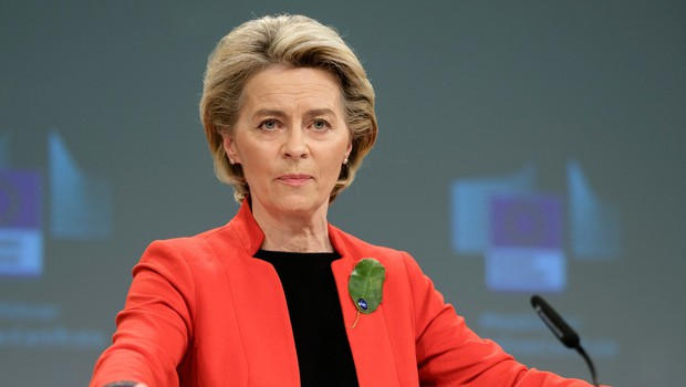 Ursula von der Leyen zažugala družbi AstraZeneca s prepovedjo izvoza (foto: profimedia)